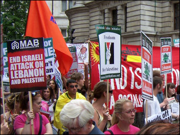 Demonstration in London against Israeli bombings