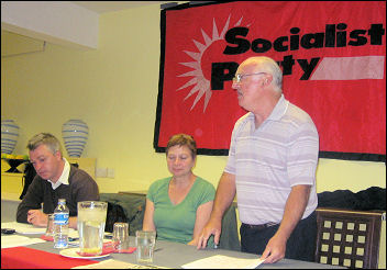 Peter Taaffe, Socialist Party general secretary, addresses the Socialist Party fringe meeting at Unison conference 2008, photo Gary Freeman