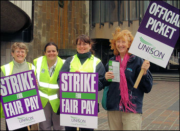 Unison Local Government strikes 16-17 July 2008 in Newcastle, photo by E Brunskill