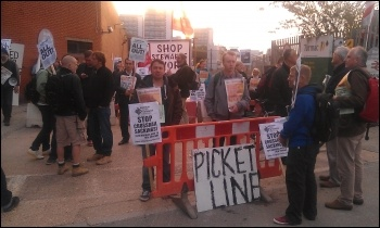 Construction workers' protest outside Paddington Crossrail site, 17.9.12, photo by Neil Cafferky