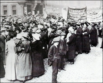 Glasgow 1915 Rent Strike, photo by Unknown