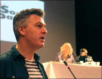 Glenn Kelly at Socialist Party congress 2013, photo Senan