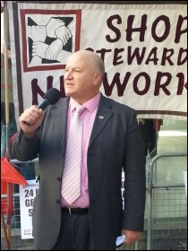 Bob Crow speaking at the NSSN's lobby of the TUC,  24.4.13, photo by N Cafferky