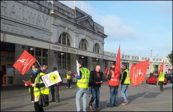 Cardiff construction workers' protest, 3.5.13