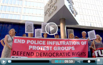 Protesting outside Scotland Yard against police spying , photo  Socialist Party