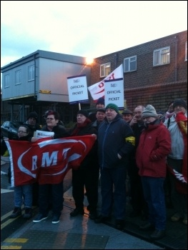 Pickets at Leytonstone station, 5.2.14, photo by Ian Pattison