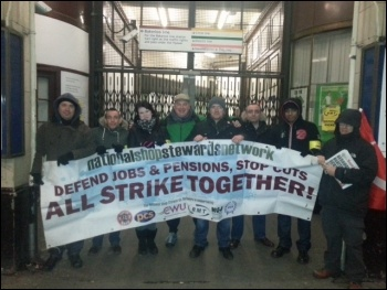 NSSN support at the Edgware Road tube picket line, 6th Feb 2014, photo by Neil Cafferky