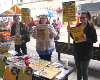 Campaigning in Mansfield on the Fast Food Rights day of action, 28 August 2014, photo by Mansfield YFJ