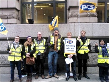 A PCS picket in Manchester, 15.10.14, photo by Alex Davidson