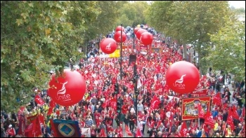 100,000 marched for a pay rise and against austerity on 18 October 2014, photo Pete Mason