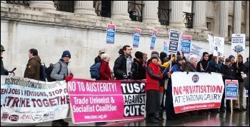 National Gallery strike, London, 3.1.15, photo by Rob Williams