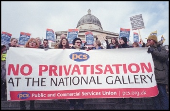 National Gallery strikers' demonstration, 5.2.15, photo Paul Mattsson