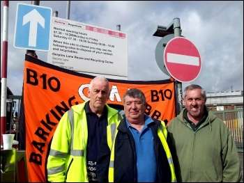 Barking and Dagenham bin workers on an 8 day strike 6-5-15, photo by Pete Mason