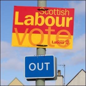 Vote Scottish Labour Out!, photo Wikimedia Commons