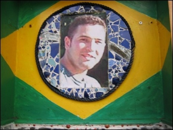 A shrine to Jean Charles de Menezes. Photo Wikimedia Commons (Creative Commons)