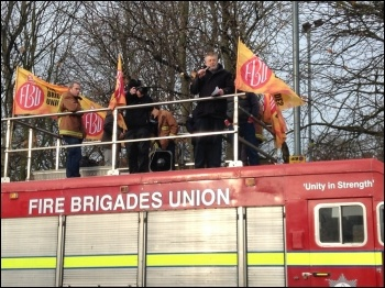Dave Nellist, national chair of the Trade Unionist and Socialist Coalition (TUSC), addresses a firefighters' rally, November 2015, photo by Dave Pitt