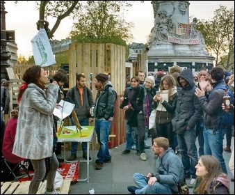 Open mic at the 'Nuit debout' in Paris, April 2016, photo by Naomi Byron