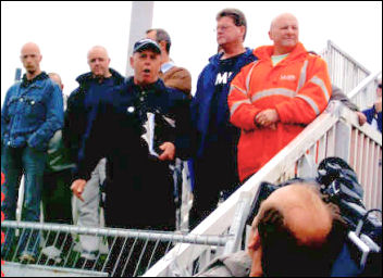 Lindsey Oil Refinery solidarity strikes: Keith Gibson addresses the workers on behalf of the shop stewards strike committee, photo Jim Reeves