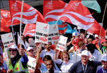 Unite and RMT trade unions protest over pay