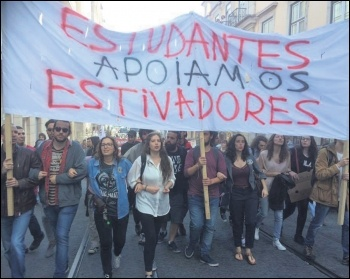 Socialism Revolucionário, the Socialist Party's sister party in Portugal, marching with other Left Bloc members in support of the Lisbon dockers, photo by Minerva Martins