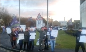 Picket line at Morriston hospital, Swansea, 25.1.17, photo by Alec Thraves