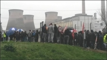 Ferrybridge power station protest 29.3.17, photo A Tice