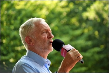 Jeremy Corbyn addressing a rally in Chingford, east London, 6.7.17, photo Mary Finch