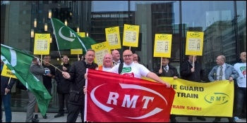 Merseyrail picket line, photo by RMT