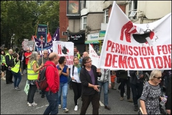Marching against the HDV