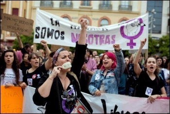 Thousands marched throughout the Spanish state against the light treatment of rapists, photo by Sindicato de Estudiantes