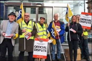 PCS strikers picketing Acas offices in Leeds, 11.5.18, photo by Iain Dalton
