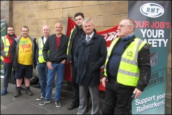 RMT strikers on the Newcastle picket line, 15.9.18, photo by Elaine Brunskill