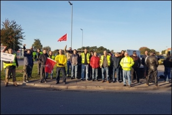 Prysmian cable workers on strike in Eastleigh, 26.9.18, photo Declan Clune