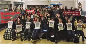 Socialist Students conference sending solidarity to Birmingham home care workers, 9.2.19, photo by Corinthia Ward