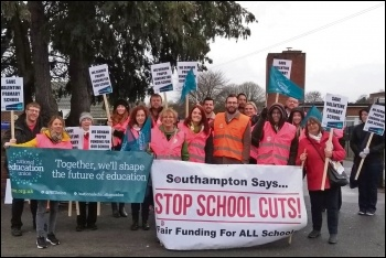 The picket line at Valentine School, 14.3.19, photo Southampton Socialist Party