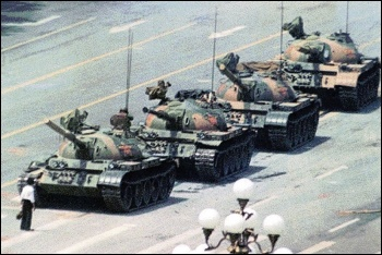 A reproduction of the iconic image of a Tianenmen protester halting a line of tanks, photo by Michael Mandeberg/CC