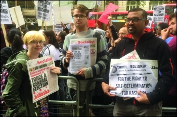 Hundreds of Kashmiri people living in Britain protested outside the Indian High Commission on 10 August 2019. The Socialist Party supported the protest and handed out a joint statement by our sister parties in the Committee for a Workers' International