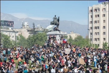 Chile protests 2019, photo Carlos Figueroa/CC