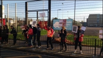 Little Ilford school picket line 18 November 2020, photo James Ivens