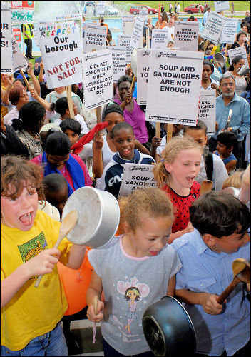 Pot and Pans demonstration in Waltham Forest against cuts to school meals, photo Paul Mattsson