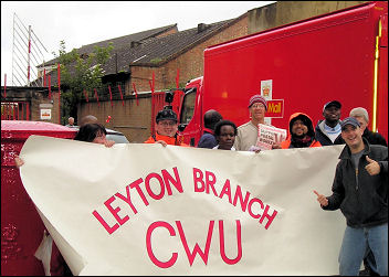 Postal workers on strike in 2007, photo Socialist Party