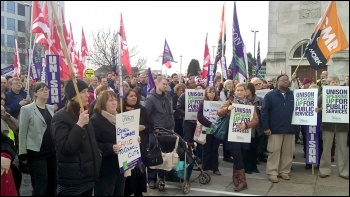 Council workers proptest at Southampton City Council's budget meeting