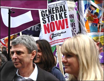 Socialist Party calls for 24-hour public sector strike on the TUC demo, photo by Dave Beale