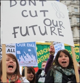 Students protest against cuts, photo by Senan