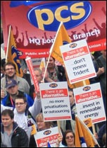 PCS members demonstrate, photo Paul Mattsson