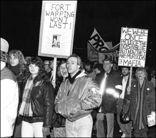 Demo supporting the 1986 Wapping print workers strike, photo Mick Carroll