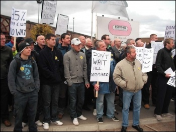 Construction workers protest outside Tyne tunnel site, 21.09.11, Elaine Brunskill