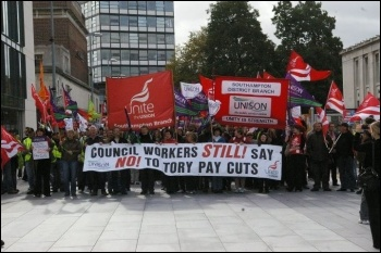 Southampton council workers on strike 6.10.11, photo Nick Chaffey